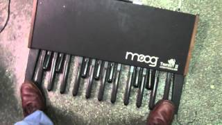 Moog Taurus II controller MIDI mod part 1 (by Synthpro)