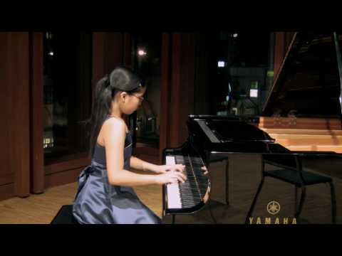 Young Artists for Haiti - 10 Piano Kids from over the world plea for Your Help