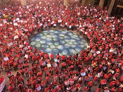 Thousands of Hawaii teachers rally at the state Capitol
