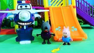 Pìg George é levado pelo policial Super Wings por Fazer XIXI no Parque  - Episódios Completos !