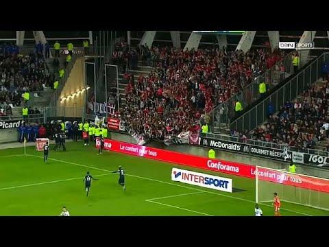 29 blessés après la chute d'une barrière au stade d'Amiens