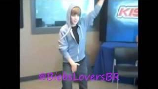 """Justin Bieber dancing """"Yeah!"""""""