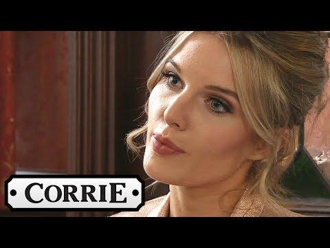 Coronation Street - Adam and Rosie Wake Up TogetherKaynak: YouTube · Süre: 1 dakika
