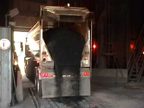Belt Trailer Unloading Coal