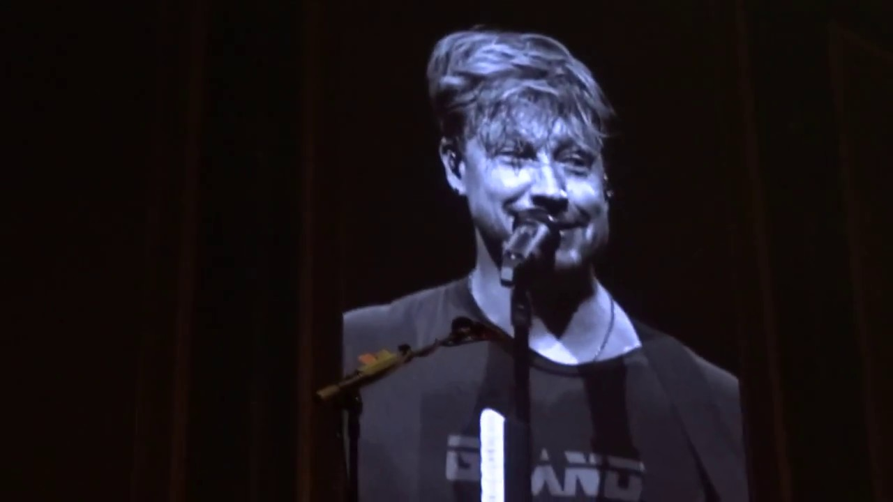 Download Samu about a special Person @ Festhalle Frankfurt