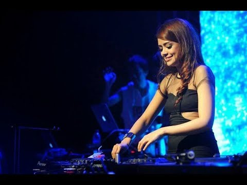 dj terbaru despacito - DJ YASMIN vs DJ UNA