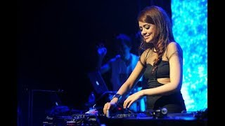 Download lagu dj terbaru despacito DJ YASMIN vs DJ UNA MP3