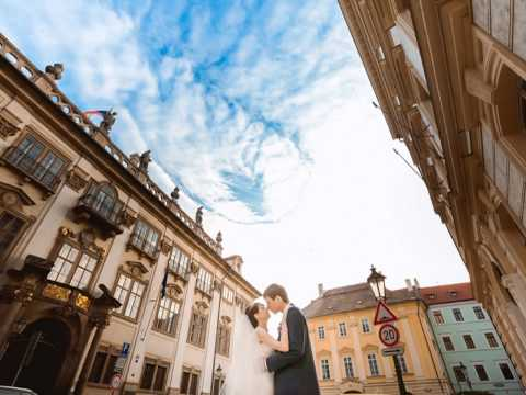 Тамада на свадьбу в Москве недорого, поющий ведущий на