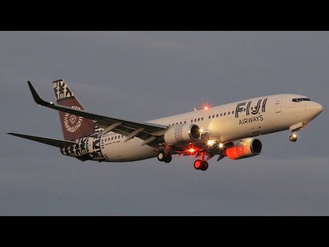 DUSK BEAUTY | Fiji Airways 737-808 Landing Melbourne Airport - [DQ-FJN]