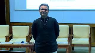 Rakesh Godhwani, Faculty, Management Communication at IIMB, speaks on 'Secrets of Life' at VISTA '18