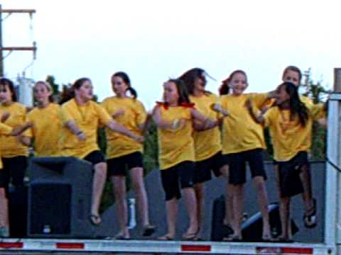 Moulton Middle School Show Choir @ the Lawrence County Street Festival CLIP0661.ASF