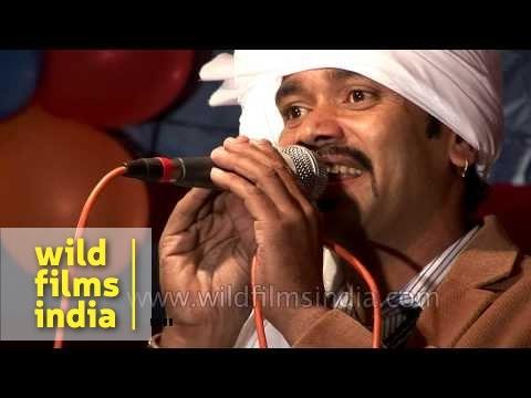 Uttarakhandi singer sings Kumaoni song at Kangdali festival