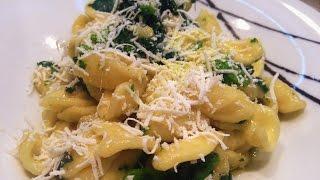 Orecchiette alle cime di rapa - Italian orecchiette pasta with broccoli rabe recipe (eng subs)