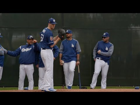 Dodgers Spring Training: Corey Seager, Alex Wood and more from first full-squad workout of 2018