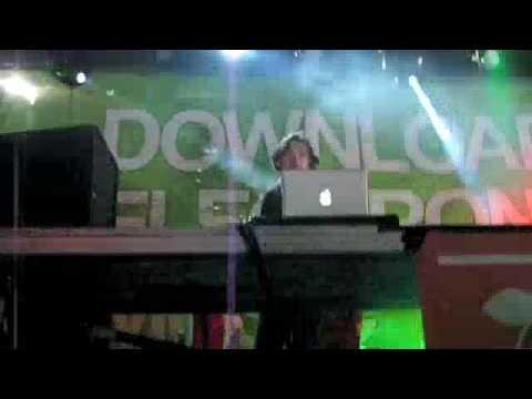 Demf '09 - Benny Benassi Front Row