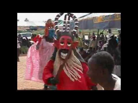 travel,discouvery,adventure and culture tour in Mali SEGOU DANSE MARIONETTE