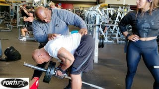 """Golds Venice's Trainer's Corner feat Chris """"Psychofitness"""" Lewis -T- bar row tips for mid back."""