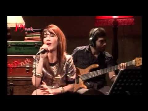 Hande Yener - Teşekkürler (JoyTürk Akustik Canlı Performans)