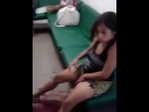 Mulher ter Bebê Em chão de Hospital Em Feira de Santana BA..