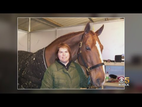 Lifelong Horse Stylist Forced To Find New Job Due To Coronavirus Outbreak