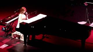 Tori Amos - Fearlessness - Live Night of Hunters Tour - Royal Albert Hall - 2/11/2011