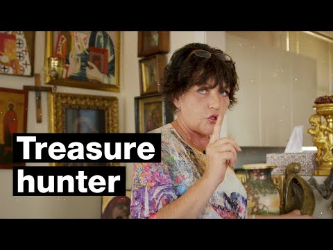 Treasure hunter Ella is famous in Russia for her videos of Australia's kerbside collections