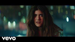 Смотреть клип Ananya Birla - Hold On