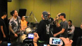 Parokya ni Edgar - Yes Yes Show @ RX Concert Series (8.6.2012)
