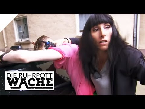 Neuer High Tech-Blitzer: Rcht sich nun die Polizei?   Lara Grnberg   Die Ruhrpottwache   SAT.1 TV
