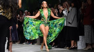 Jennifer Lopez Catwalking with  Green Versace Dress 2019
