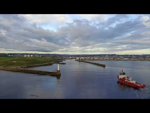 Aberdeen Harbour   Supply Vessel Tripod Shot