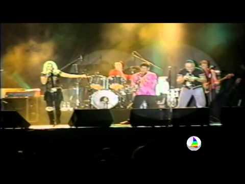 Kid Abelha anuncia fim da banda: Assista vídeo inesquecível do show em Areia Branca em 2002