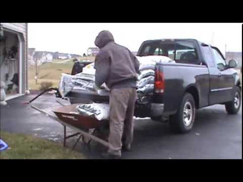 unloading a ton off a pickup truck in a few seconds youtube. Black Bedroom Furniture Sets. Home Design Ideas