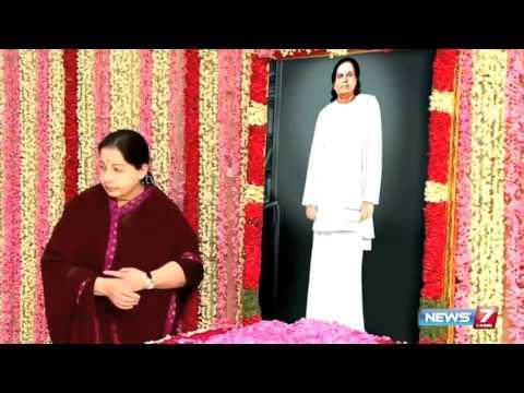 Jayalalithaa adorns Muthuramalinga Thevar photo @ Kodanad | News7 Tamil