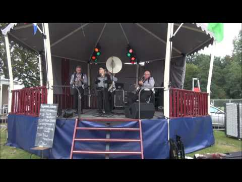 2016 17 9 Roses of Picardy The Fox Dixieband