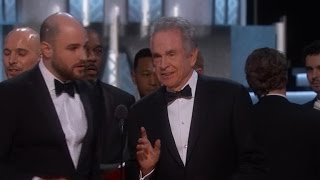 """Moonlight"" Wins Best Picture Oscar After ""La La Land"" Was Mistakenly Announced As The Winner"