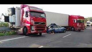 Autostrada A18, tir travolge e uccide poliziotto