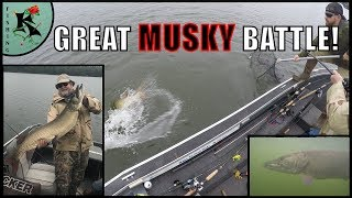BIG MUSKY BATTLE! - Short & Awesome Clip  | Koaw Nature
