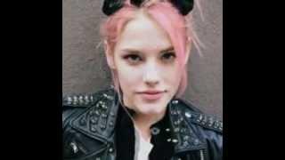 видео Модное розовое омбре от Мадонны