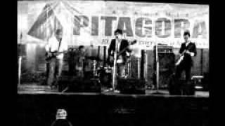 """no es que yo quiera """"indie rock peru""""(OLIROCK 2009)"""
