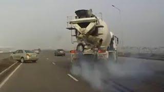 Truck Crash & Accident Compilation 2016
