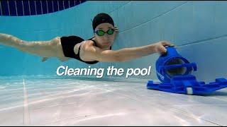 수영장 청소 하기 / Cleaning the pool 🐟