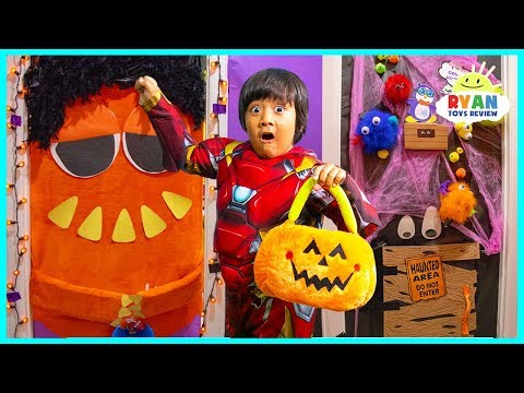 Don't HALLOWEEN Trick or Treat for Surprise Toys at the wrong door challenge!!!