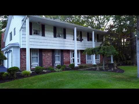16 SARAH DR DIX HILLS, NY-Beautiful Home for Sale $699,000
