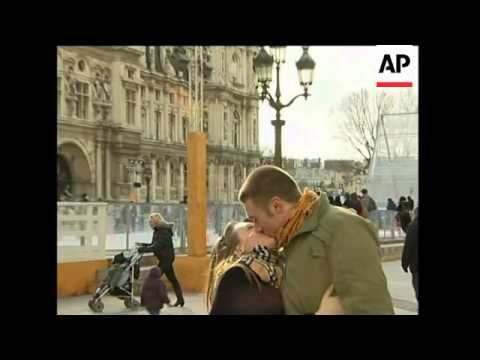 People kissing in Paris on Valentine's day