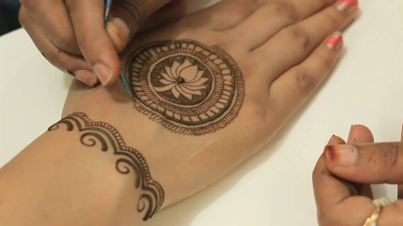 Beautiful Easy Morrocan Henna MehndiLotus In Circular Designs(Bridal Upper  Side Mehendi)