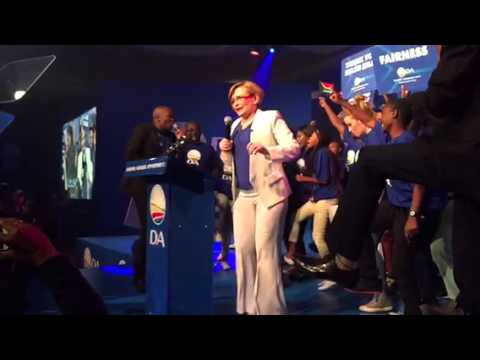Helen Zille dancing on stage