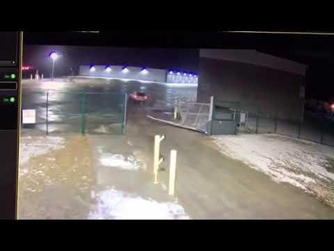 SUV crashes through gate at Cleveland Hopkins International Airport