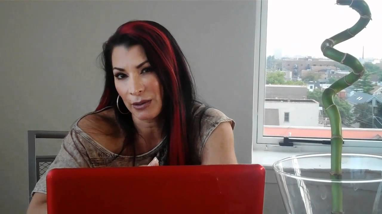 Video Lisa Marie Varon