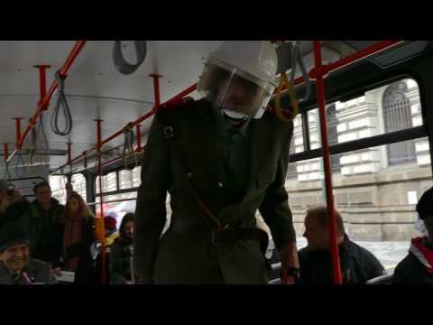 Razie příslušníků SNB v tramvaji :-)